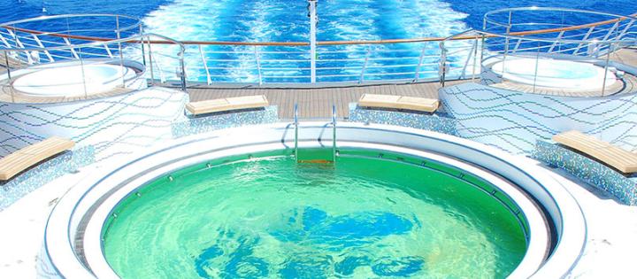 Crucero con piscina