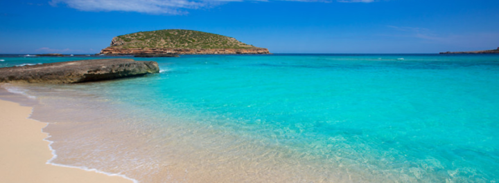 Las 7 mejores calas y playas de Ibiza que no te puedesperder
